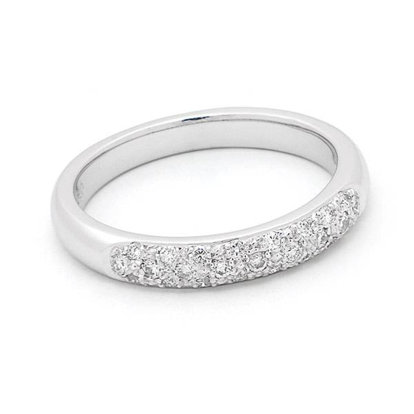 Brilliant cut diamond pave set wedding ring