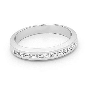 Baguette cut diamond channel set wedding ring