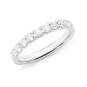 Brilliant cut diamond claw set wedding ring