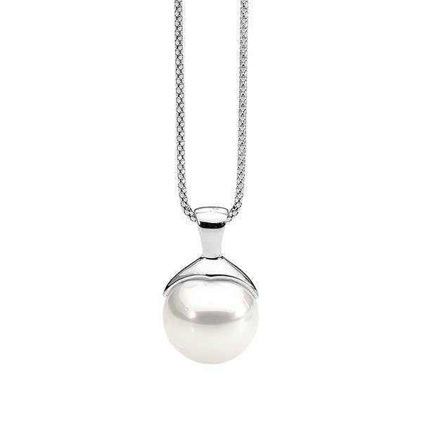Ellani white shell pearl pendant