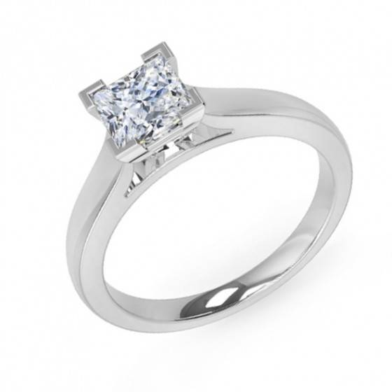 Princess cut diamond solitiare ring