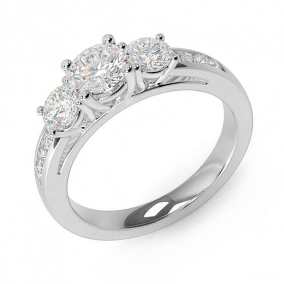 Brilliant cut diamond 3 stone ring