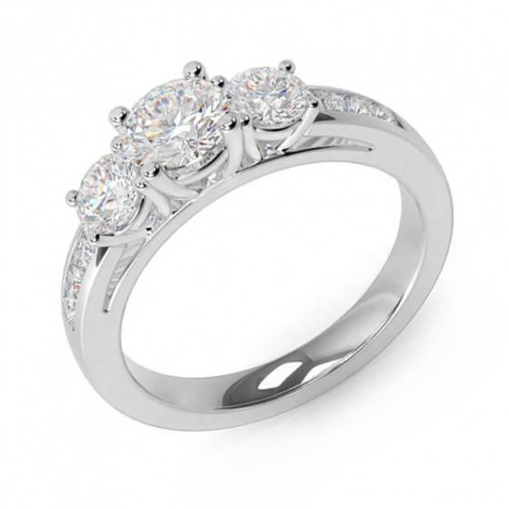Brilliant cut diamond 3 stone ring