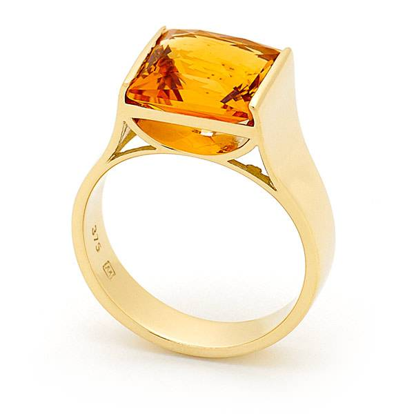 Citrine end set dress ring
