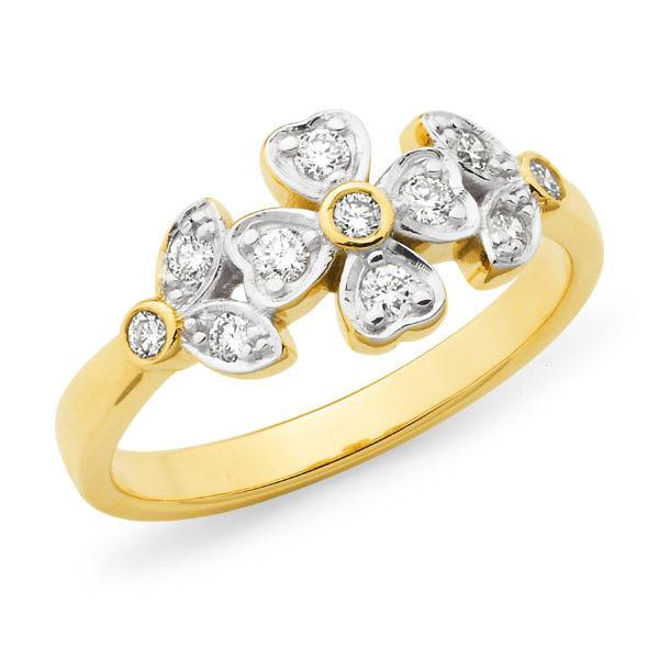 Brilliant cut diamond flower design ring